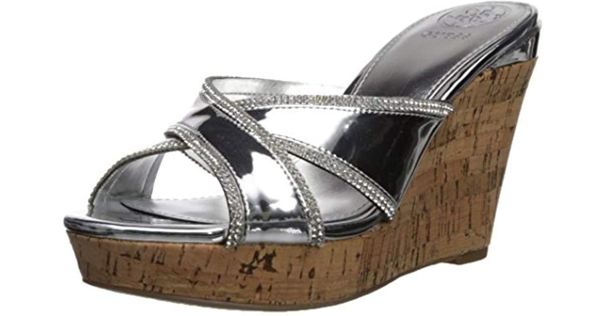 76aa1319a0c Lyst - Guess Eleonora Wedge Sandal in Metallic