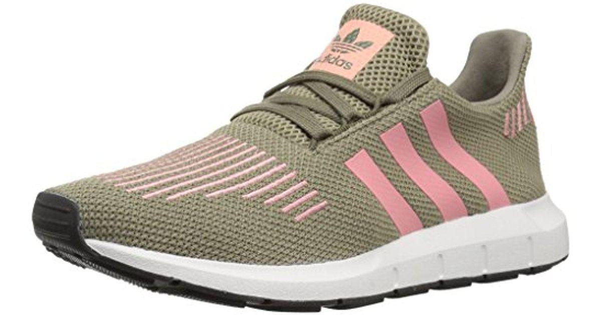 lyst adidas originali swift w scarpe da corsa, traccia cargo / traccia rosa