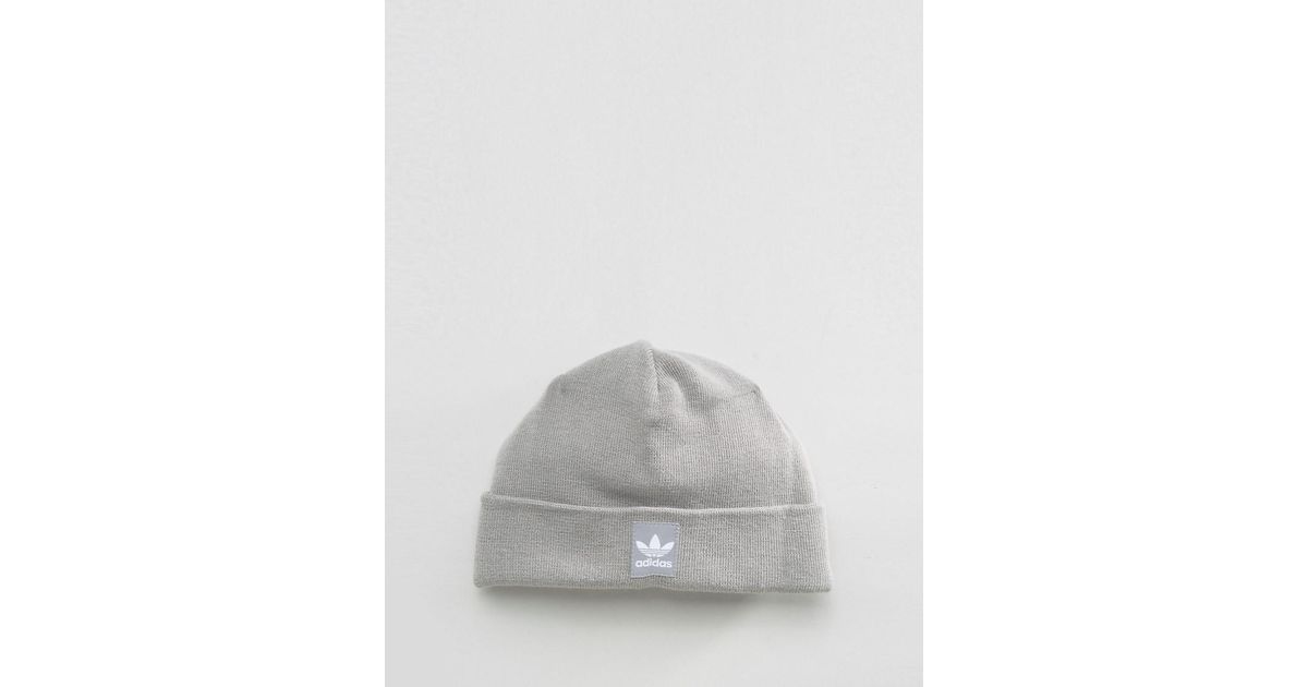 3774bc4d696 Adidas Originals Adidas Rib Logo Beanie in Gray for Men - Lyst