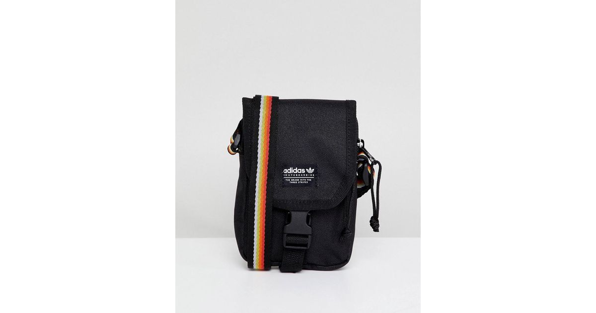 adidas Originals Flight Bag In Black Ce2600 in Black for Men - Lyst 9fc0c8441a2b6
