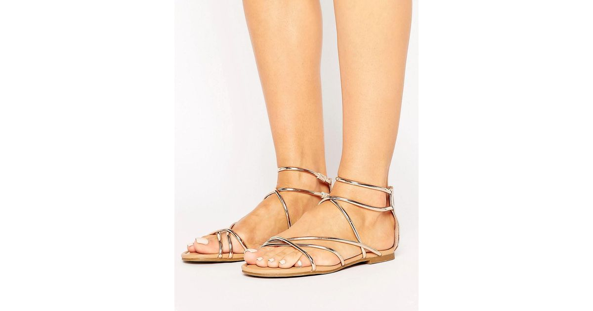Lyst - Steve Madden Sapphire Rose Gold Strappy Flat Sandals in Metallic
