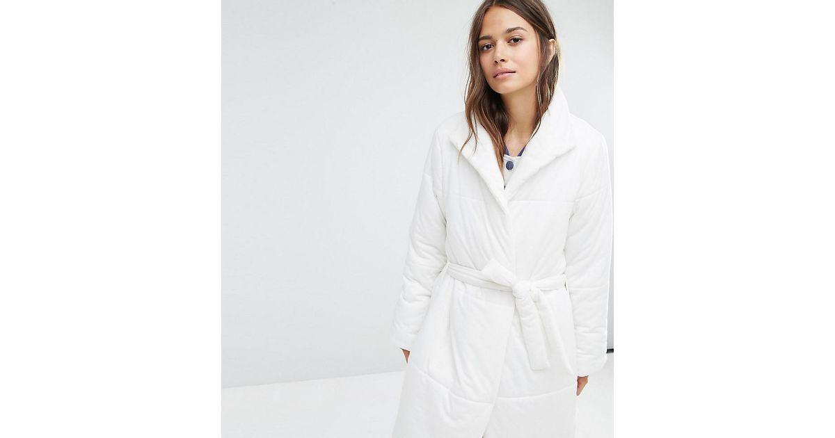 Minkpink Duvet Dressing Gown in White - Lyst