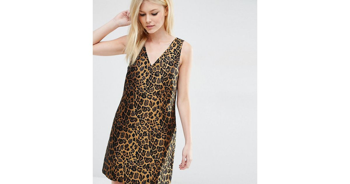 2bae9e9d7f46 ASOS Leopard Print Shift Dress In Jacquard Fabric in Brown - Lyst