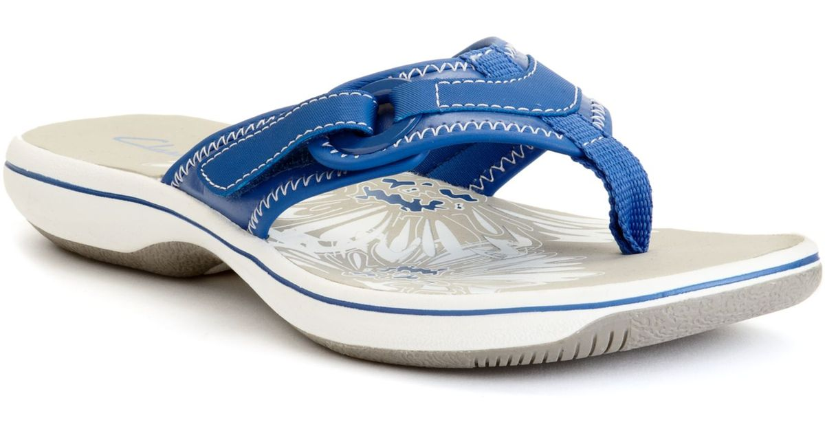 cdcf610675fe Lyst - Clarks Womens Shoes Breeze Mila Flip Flops in Blue