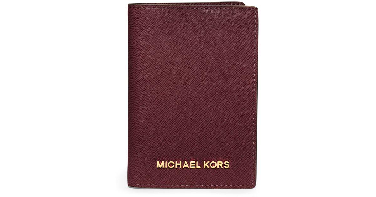 6d113794896b Michael Kors Jet Set Travel Saffiano Leather Passport Case in Purple - Lyst