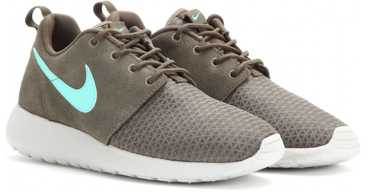 premium selection c8e2c 96e43 Nike Roshe Run Winter Sneakers in Gray - Lyst