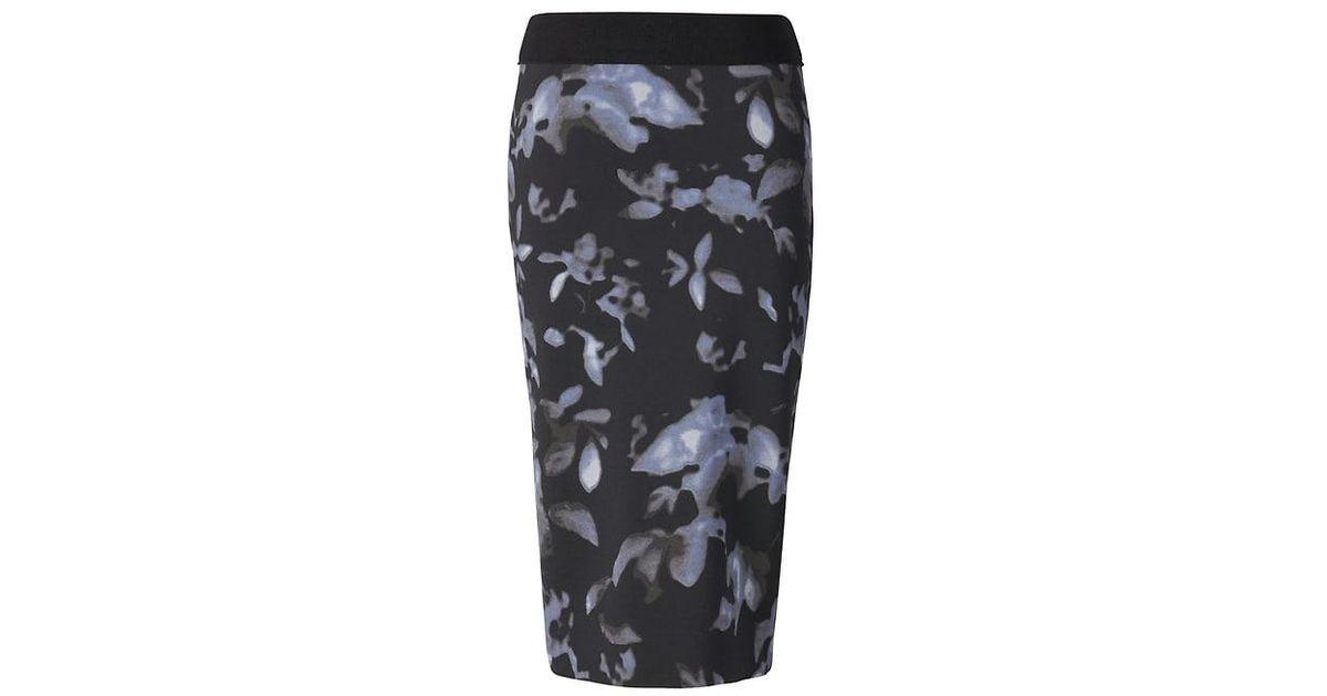 44603423f Banana Republic Life In Motion Reversible Floral Neoprene Pencil Skirt in  Gray - Lyst