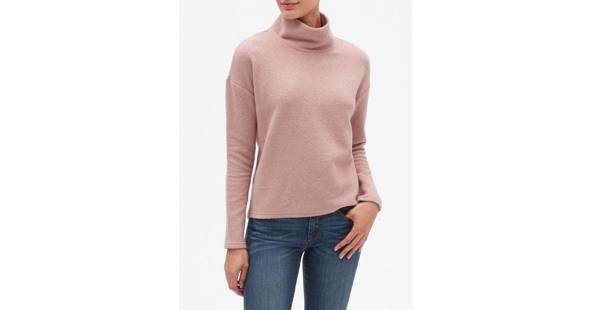 ba88f4d6 Banana Republic Factory Textured Funnel Neck Sweatshirt in Pink - Lyst