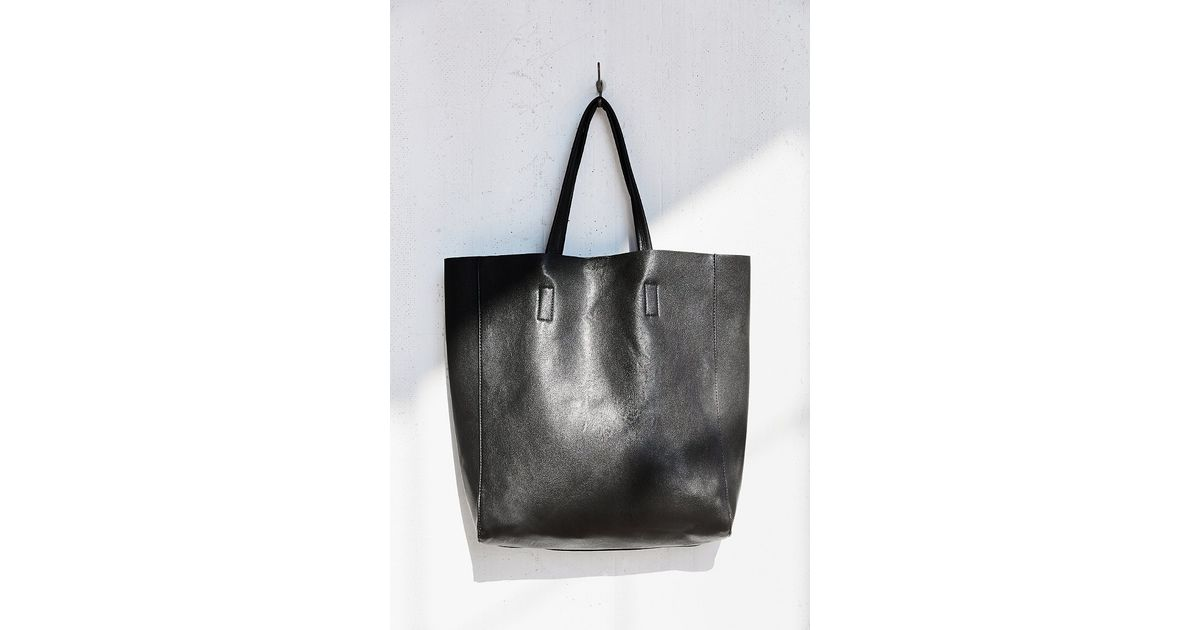 296ab3a6df54 Urban Outfitters Simple + Modern Vegan Tote Bag in Black - Lyst