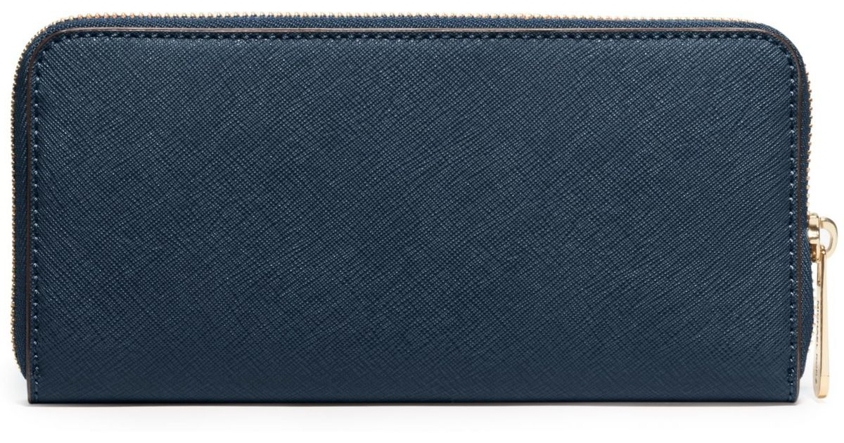 06448972d36f Michael Kors Jet Set Travel Saffiano Leather Continental Wallet in Blue -  Lyst