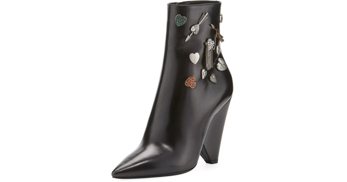 Saint Laurent Button-Embellished Leather Bootie tfL3yppuXu
