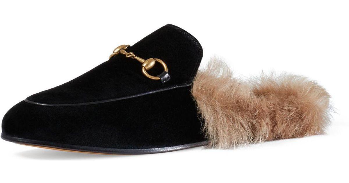 4df45890b91 Lyst - Gucci Princetown Fur-lined Velvet Slipper in Black