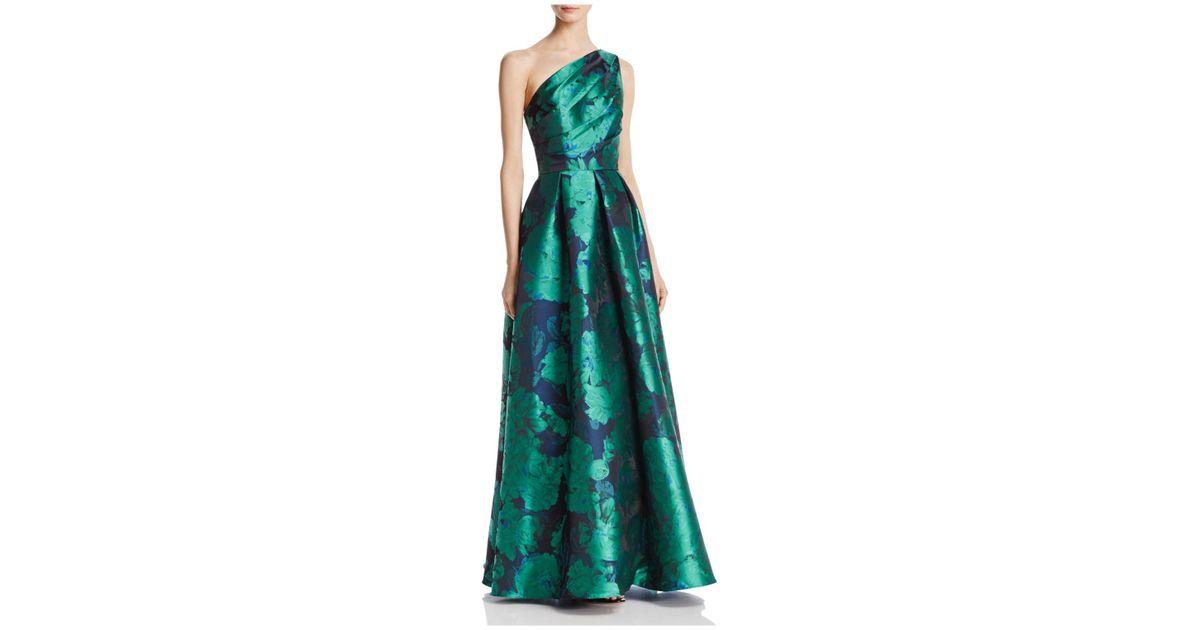 23a554885f953 Carmen Marc Valvo Infusion One Shoulder Gown in Green - Lyst