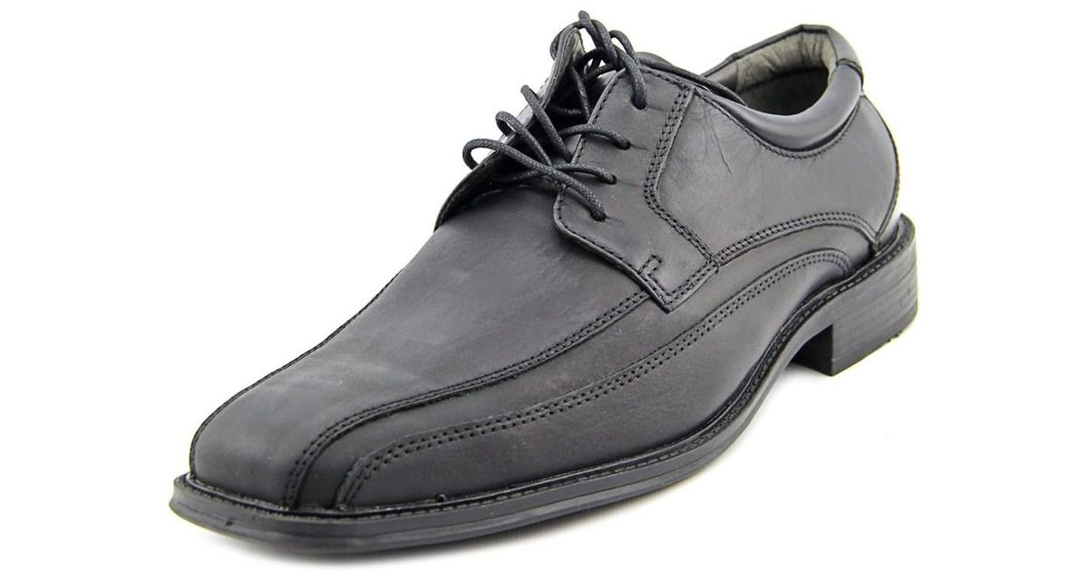 Black Leather Bicycle Toe Shoes With Black Jeans