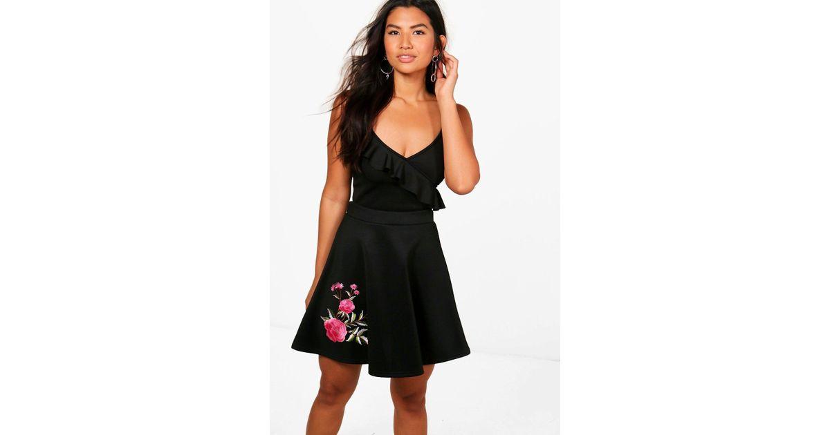 Lyst boohoo annie floral applique skater mini skirt in black