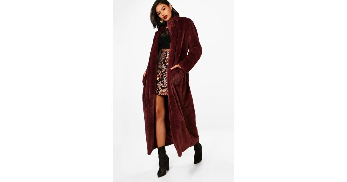 ac6a3e5af0c4 Boohoo Phoebe Boutique Belted Faux Fur Robe Coat in Red - Lyst