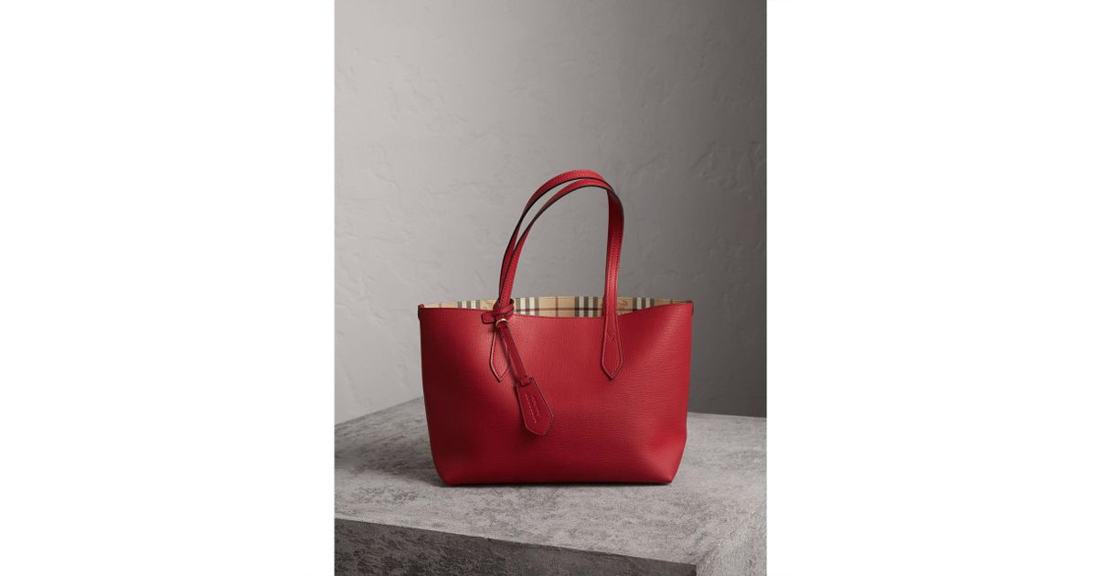 Lyst Burberry The Small Reversible Tote In Haymarket Check And Leather Poppy Red