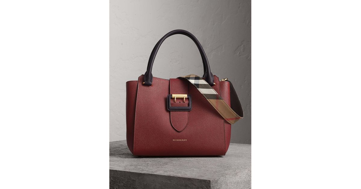 5d6a74460524 Lyst - Burberry The Medium Buckle Tote In Grainy Leather