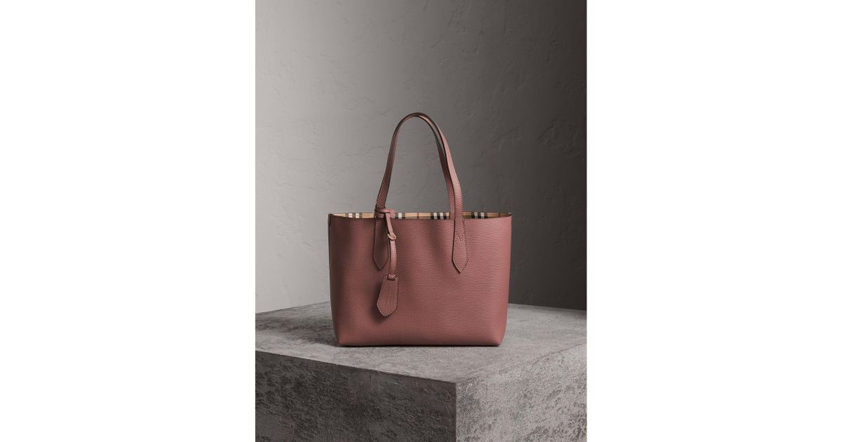 Lyst Burberry The Small Reversible Tote In Haymarket Check And Leather Light Elderberry