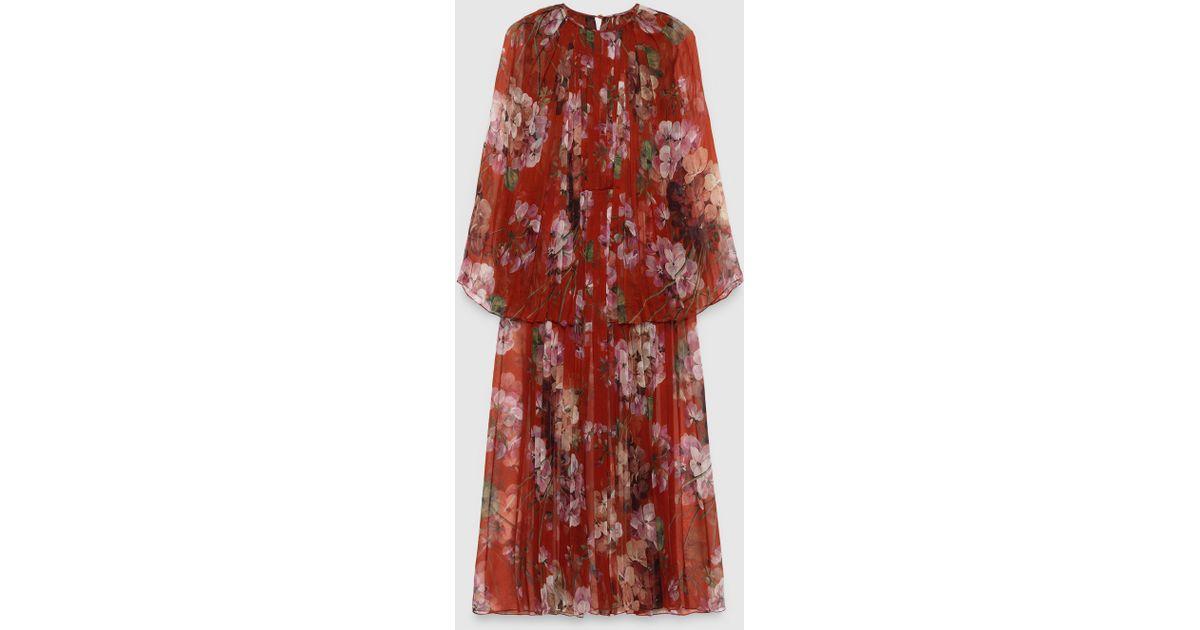 61e600340d0 Gucci Blooms Print Silk Plissé Dress in Red - Lyst