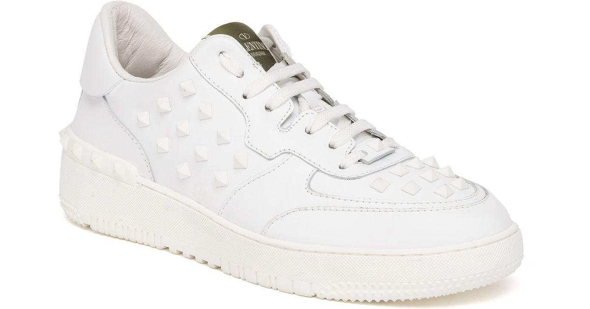 ba1c181dda85 VALENTINO Nylon Rockstud Snow Boots S 35-37 White 105015. Valentino Rockstud  Leather Low-Top Sneakers in White for Men