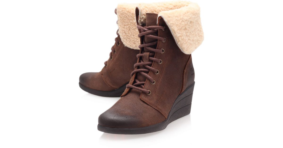 621097c6a140 ... cheap ugg brown leather zea shearling lace up ankle boots in brown lyst  de7b8 6f97e
