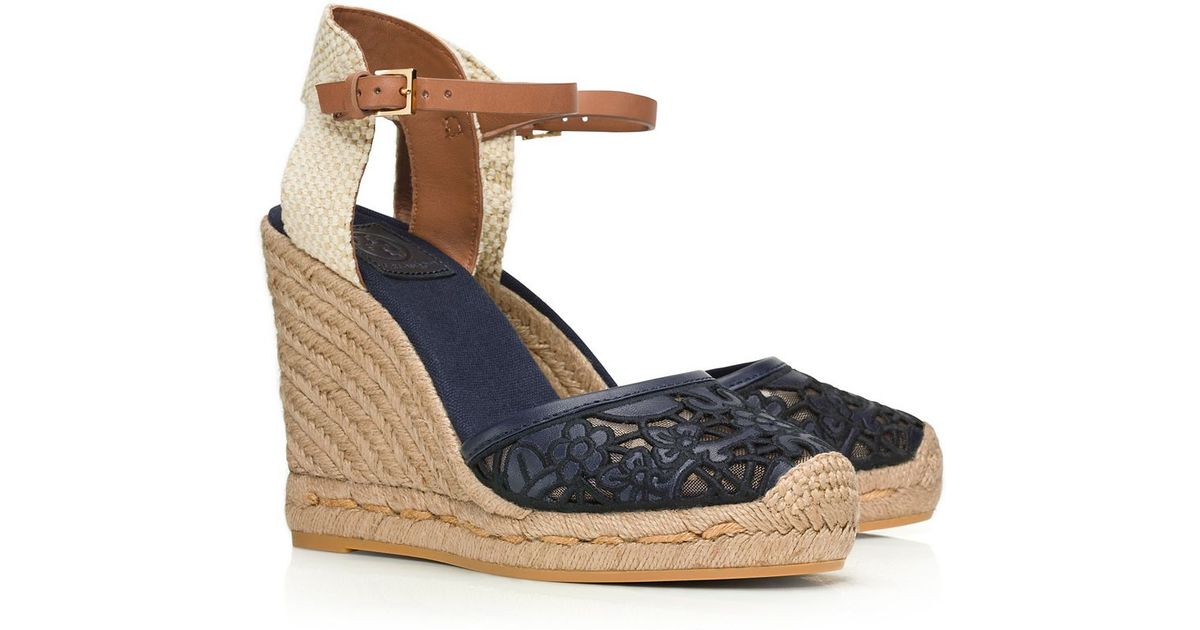 014a8c6c2fd5 Tory Burch Lucia Lace Wedge Espadrille in Blue - Lyst