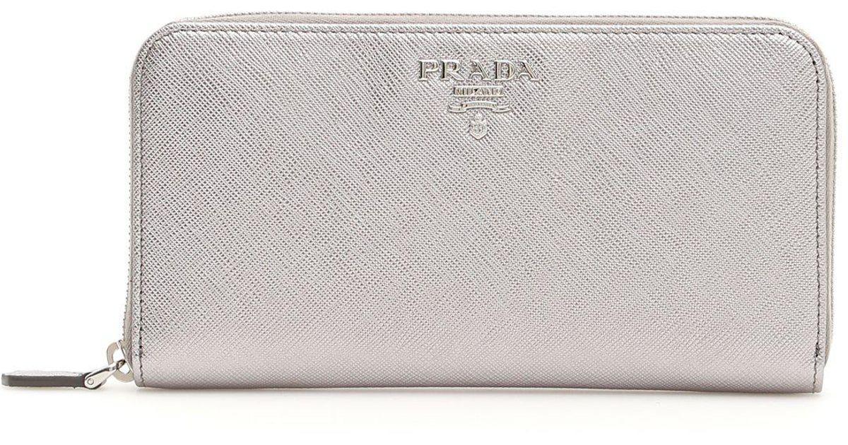 e8362339c1a0a2 Prada Continental Logo Wallet in Metallic - Lyst