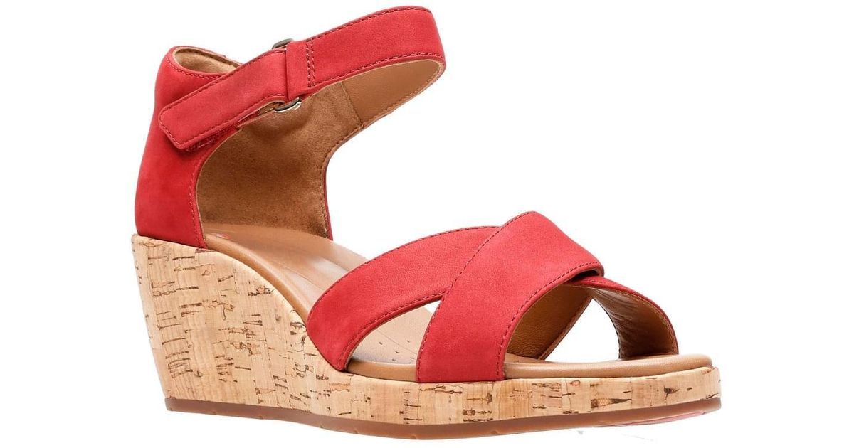 5e6678e10bb Lyst - Clarks Un Plaza Cross Womens Wide-fit Wedge Sandals in Red