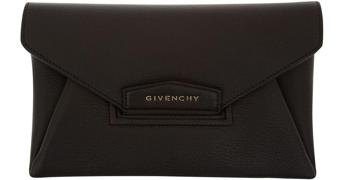Lyst - Givenchy Small Black Antigona Envelope Clutch Bag in Black 55e331d3d65b8