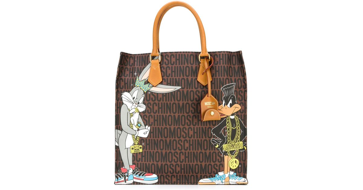 2db311025ef Moschino Bugs Bunny and Daffy Duck Printed Tote in Brown - Lyst