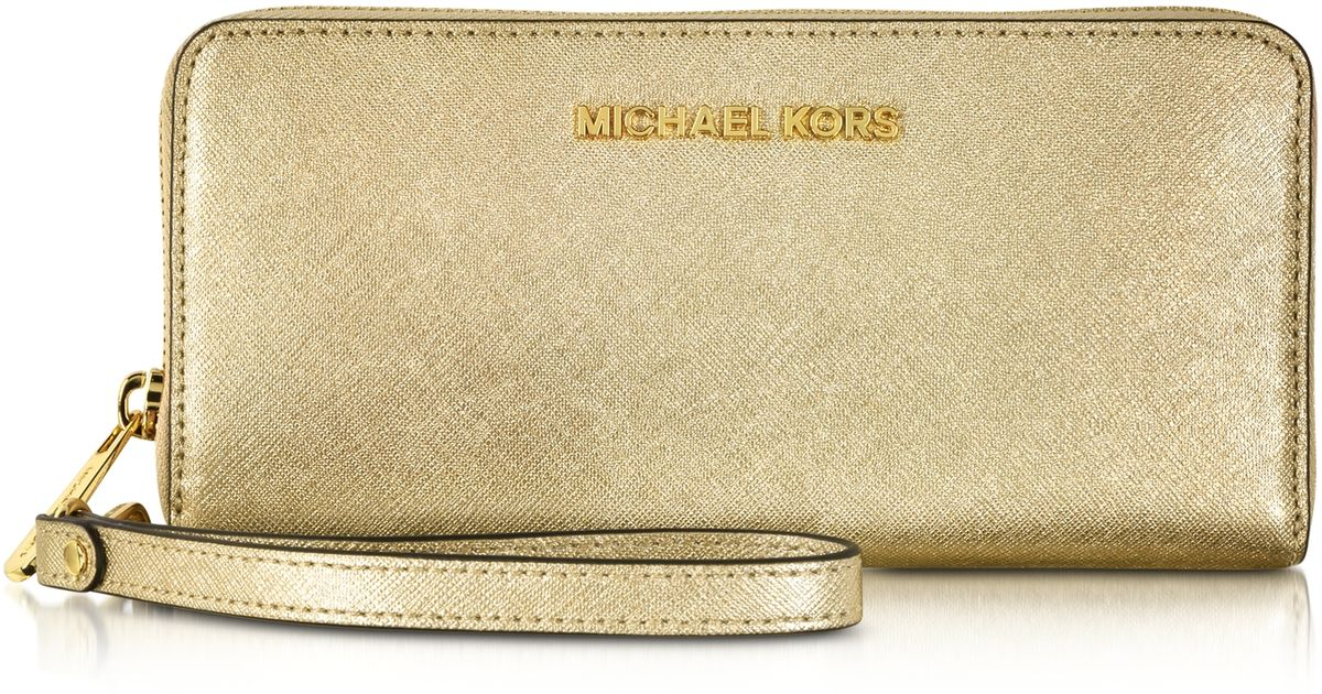 be480f9bf034 Michael Kors Jet Set Travel Pale Gold Metallic Saffiano Leather Continental  Wallet in Metallic - Lyst