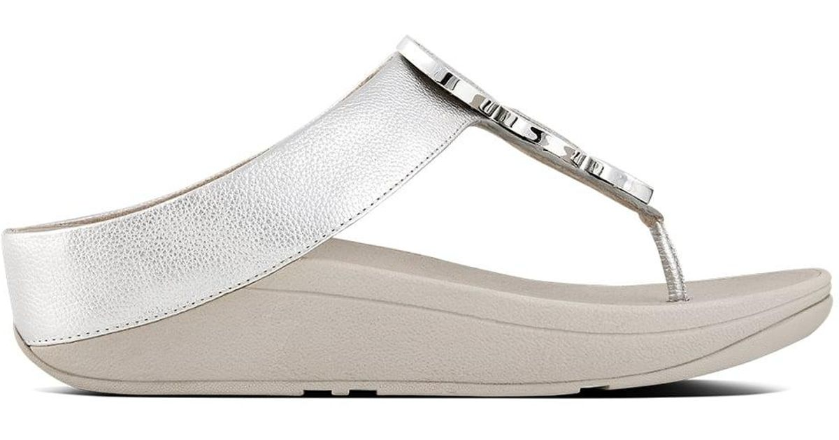 fb3a06bd1 Fitflop Halo Silver Leather Toe Post Sandals in Metallic - Lyst