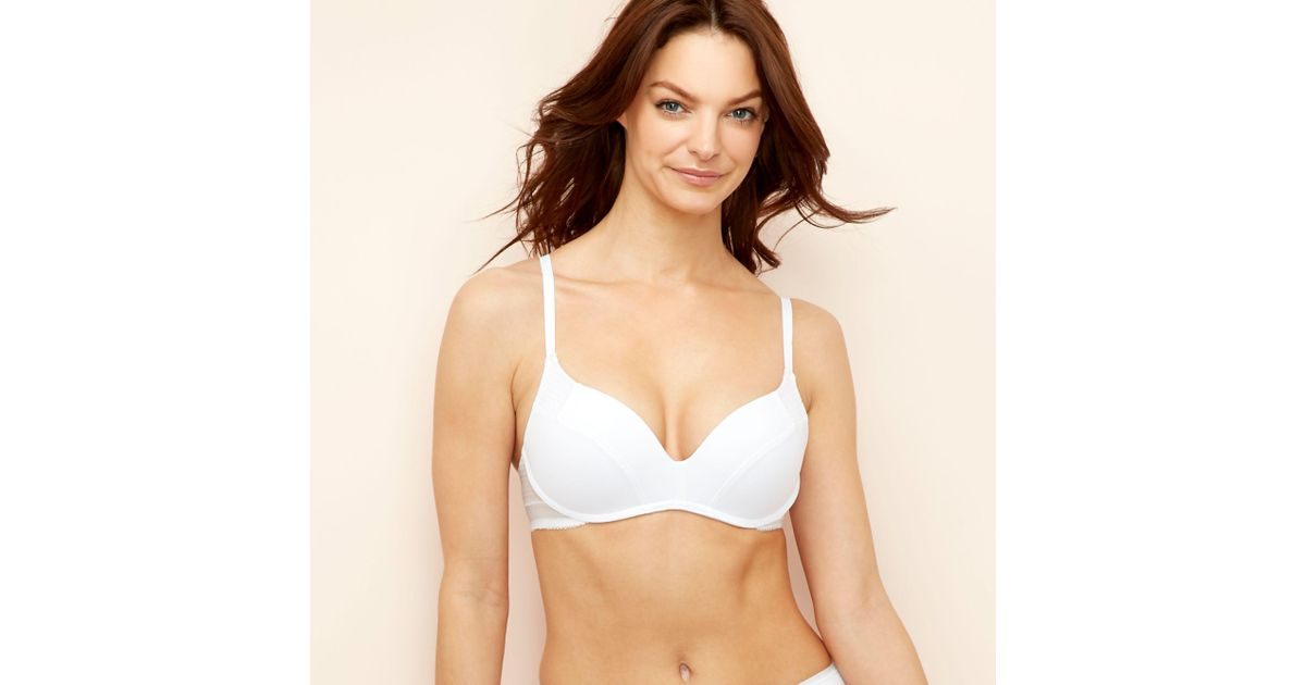 81581ad26d8 Wonderbra White Microfibre 'ultimate' Non-wired Padded Push-up T-shirt Bra  in White - Lyst