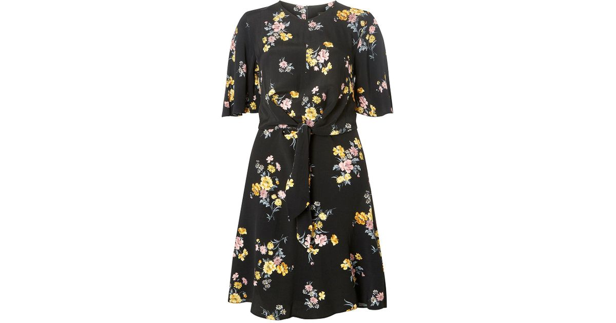 Dorothy Perkins Tall Black Floral Print Knot Front Skater Dress in Black -  Lyst 5bbea89fc