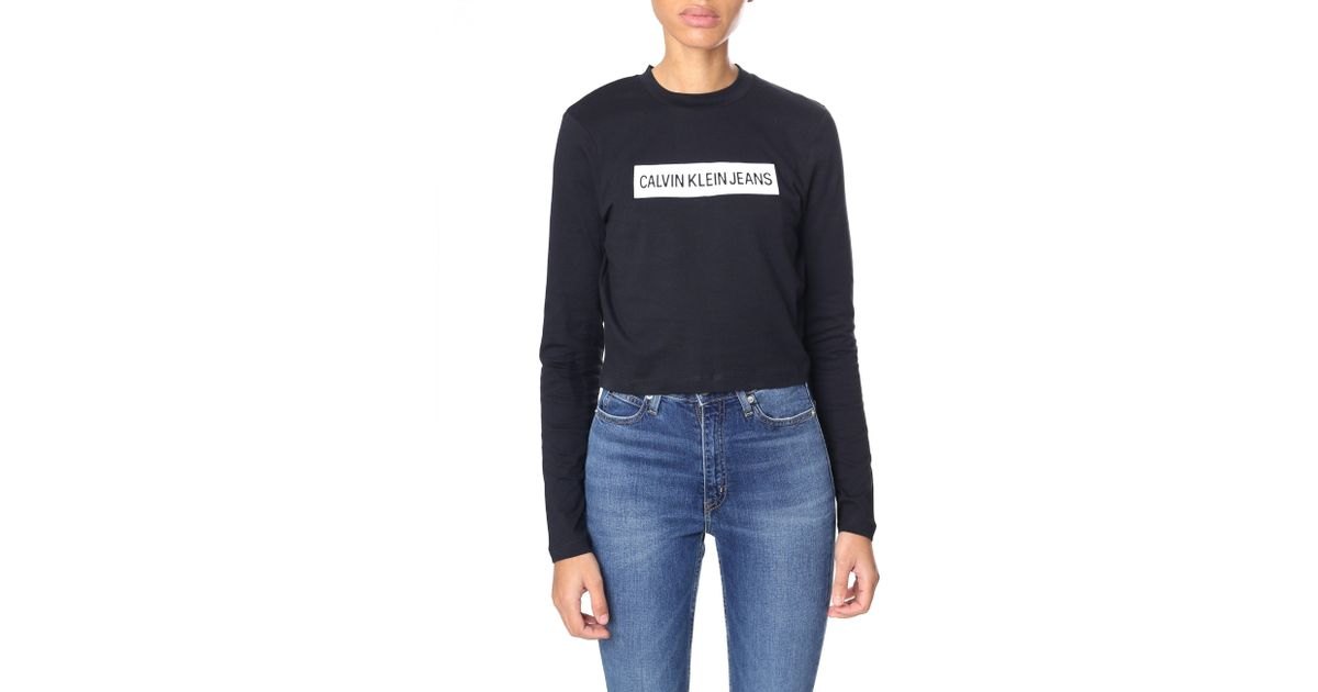 ae1f38f5 Calvin Klein Institutional Box Cropped Fit Top in Black - Lyst