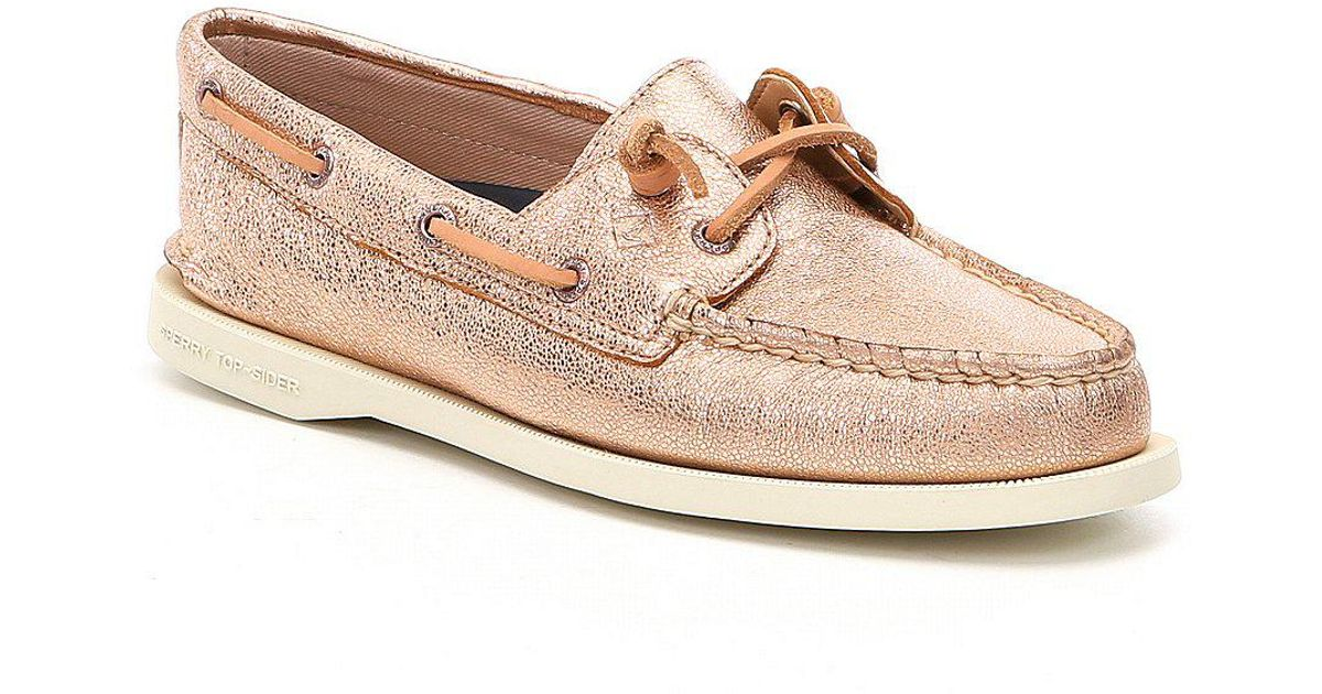9798ae69efba Lyst - Sperry Top-Sider Women ́s A o Vida 2-eye Boat Shoes in Pink