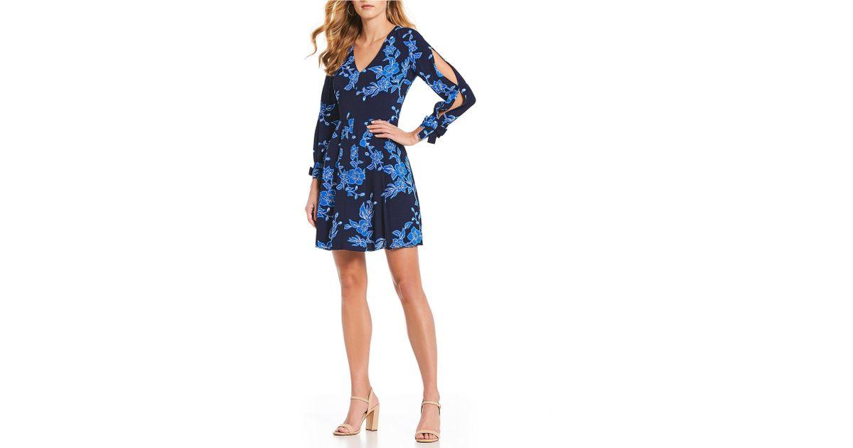 68f583cc Draper James Geranium Floral Print Tie Slit Sleeve V-neck A-line Dress in  Blue - Lyst