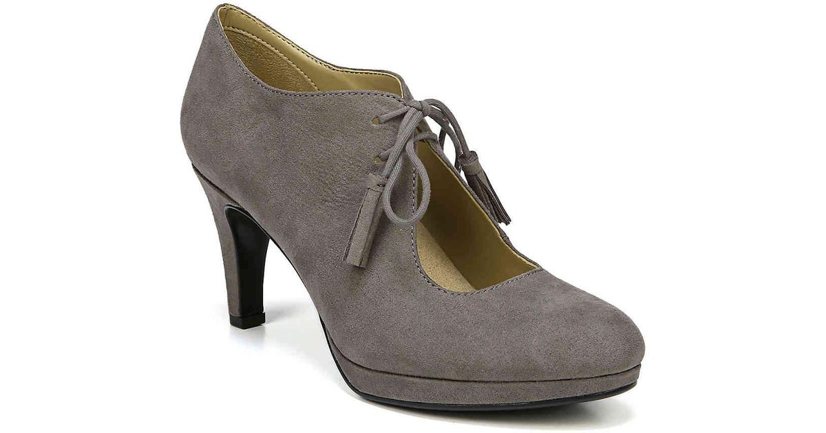 d71e292cebfb Lyst - Naturalizer Paxton Platform Pump in Gray