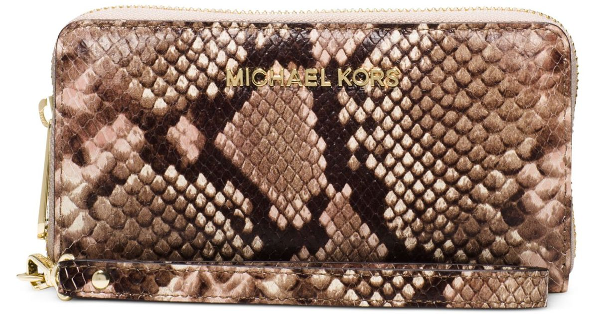 4e84c0f929 Michael Kors Michael Jet Set Travel Large Coin Multifunction Phone Case in  Metallic - Lyst