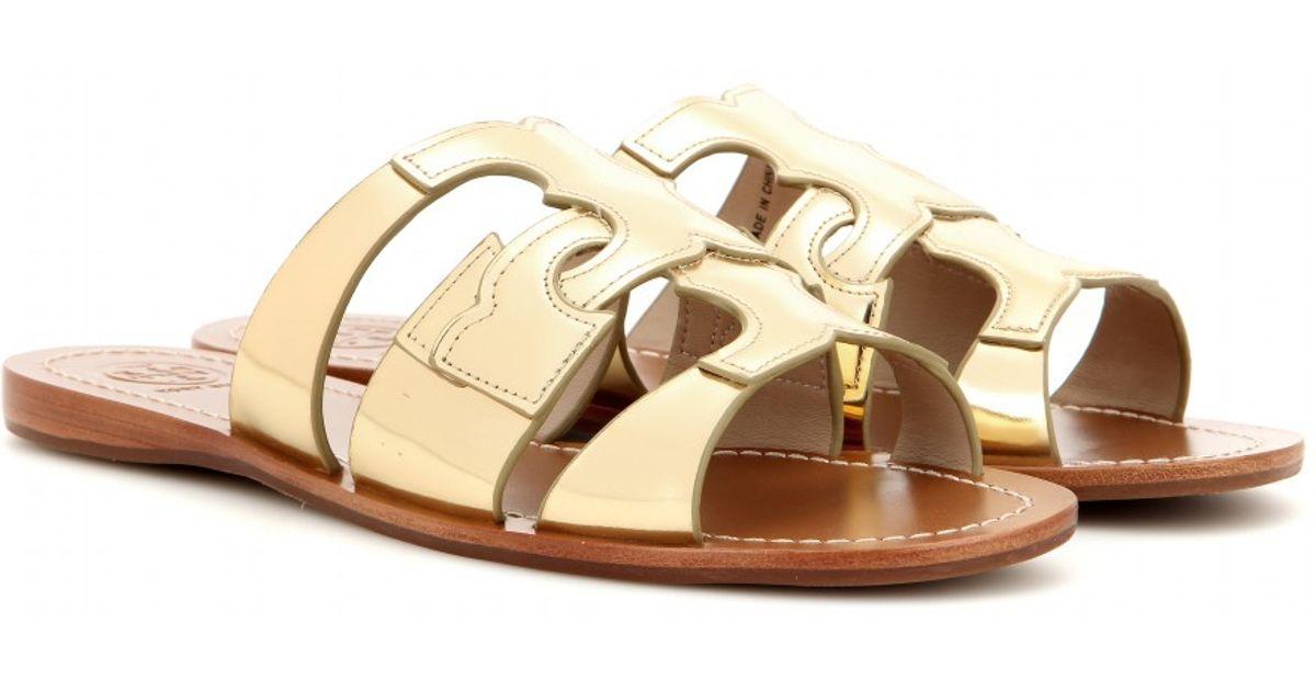 af27d8d62b798 Lyst - Tory Burch Anchor T Metallic Leather Flat Sandals in Metallic