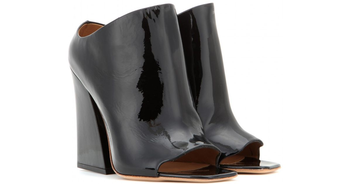 5b9c320bcef2 Lyst - Acne Studios Indi Patent Leather Ankle Boots in Black