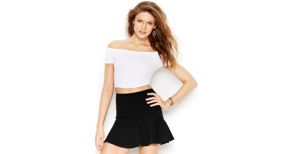 f4e220d7188 Guess Off The Shoulder Crop Top in White - Lyst