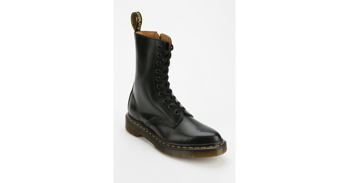 abec911ebda0 Dr. Martens Alix Pointy-Toed Boot in Black - Lyst
