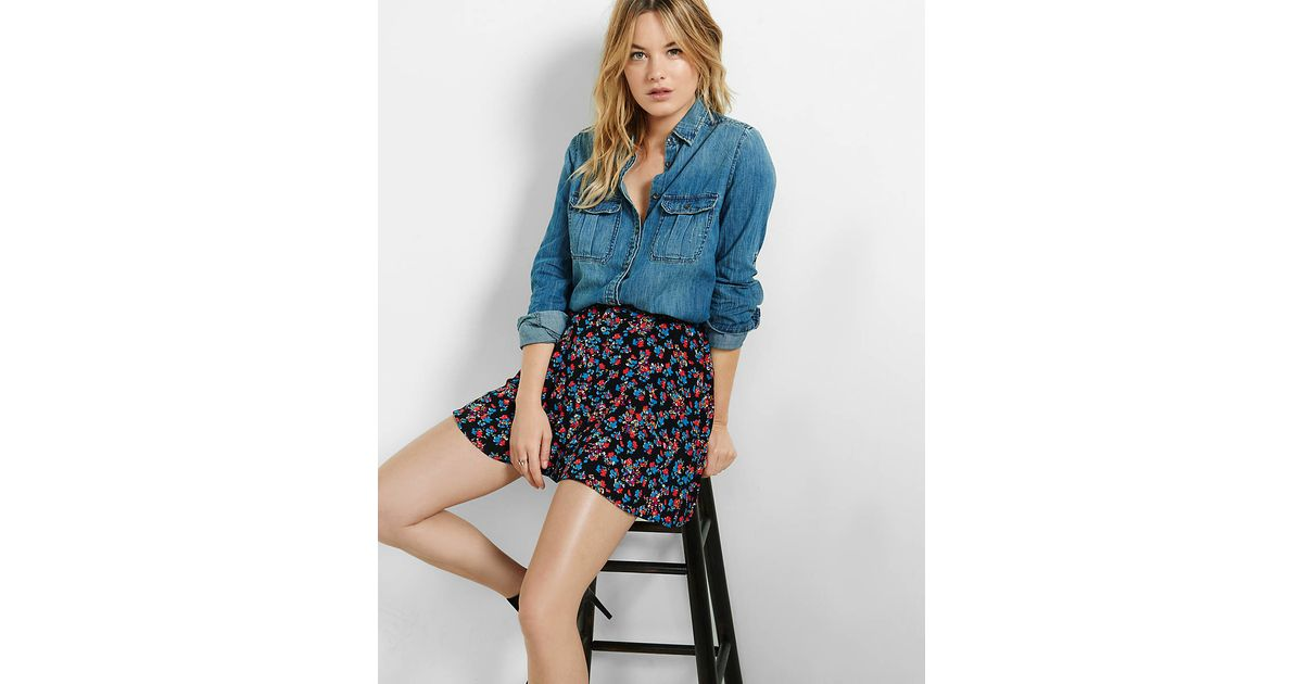 Express fitted released hem denim shirt in blue lyst for Express wash roma