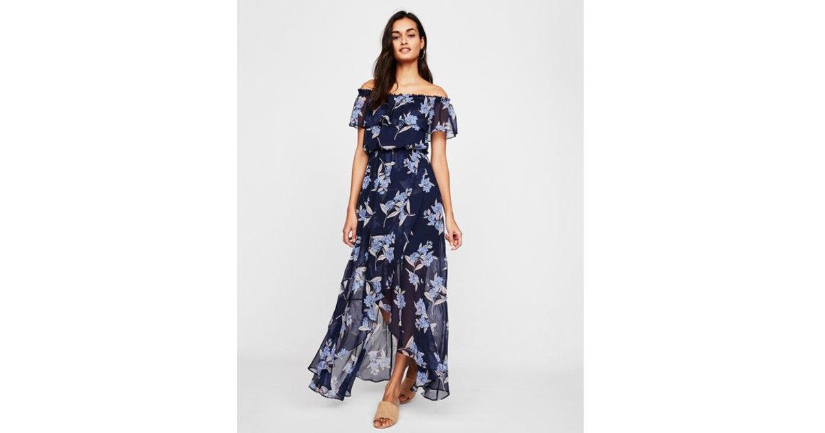 0fa19b7ed7f Express Petite Floral Off The Shoulder Ruffle Front Maxi Dress in Blue -  Lyst