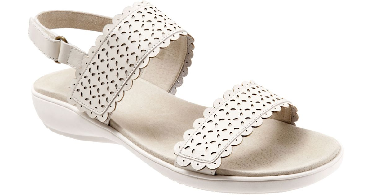 Genuine Trotters Women's Galle Womens Off White Trotters Womens Sandals