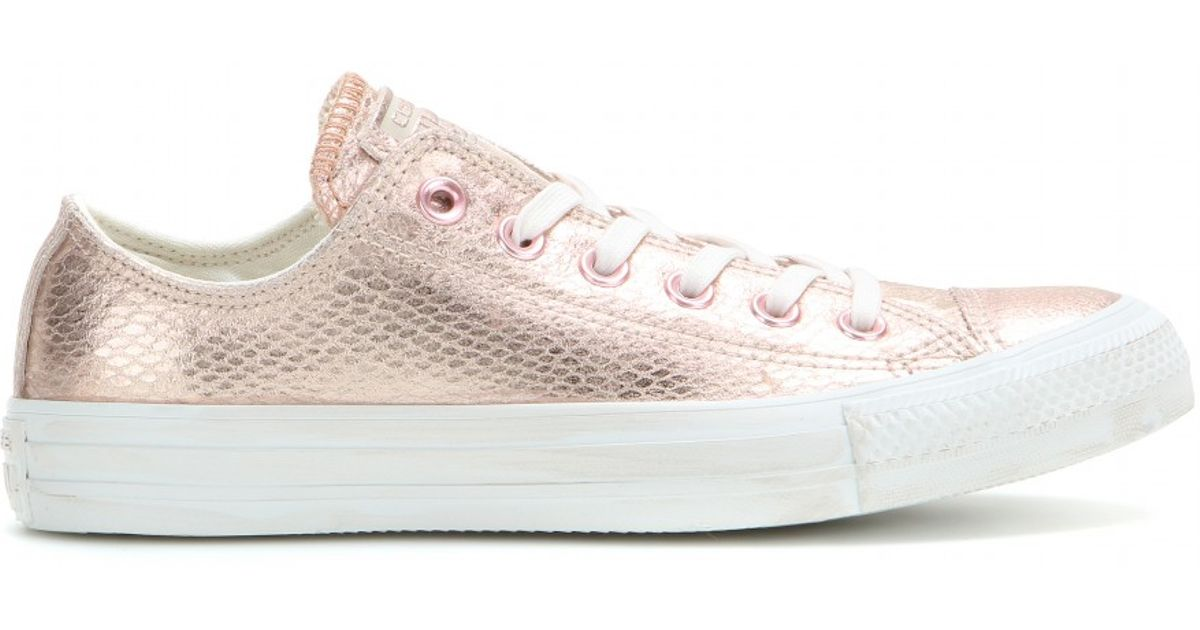 1e76f6f83b6 Lyst - Converse Chuck Taylor Ox Metallic Leather Sneakers in Pink