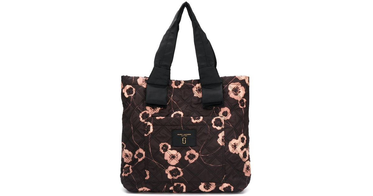 3ae0528d42 Marc Jacobs Floral Print Shopping Bag in Black - Lyst
