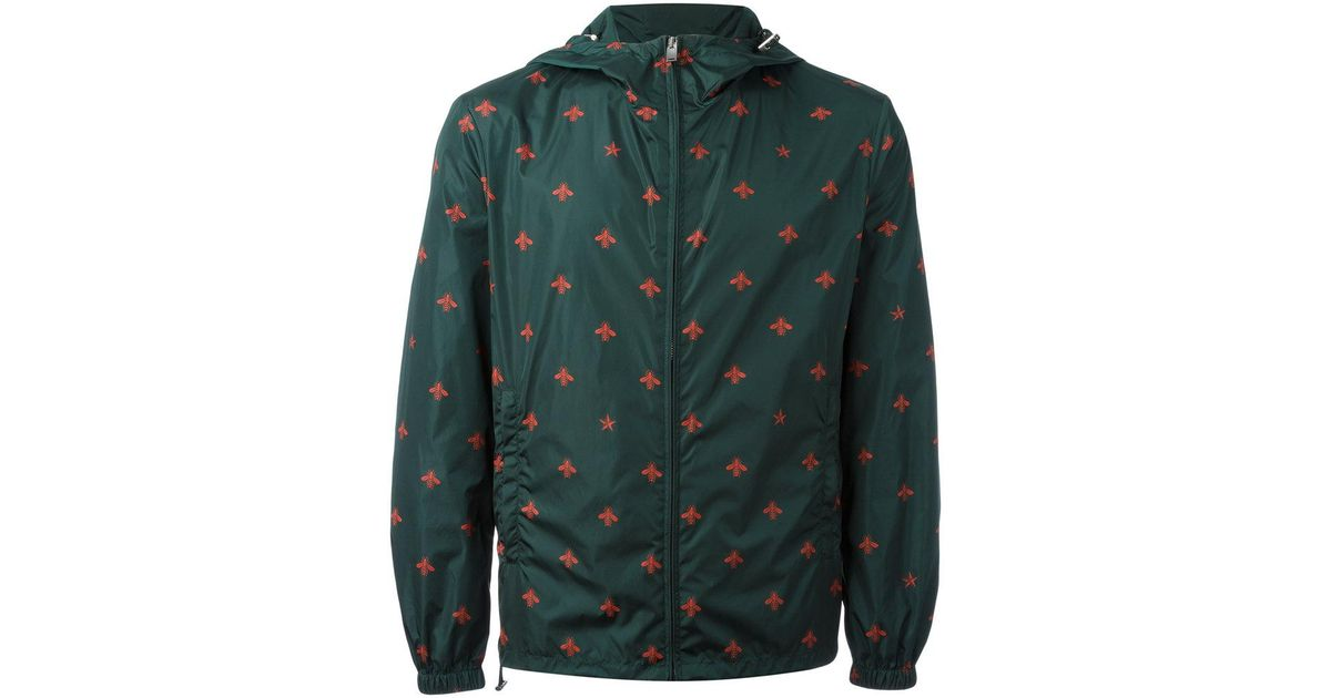 66f6937a1bf Lyst - Gucci Bee And Star Print Windbreaker in Green for Men